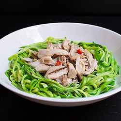 5-Minute Chicken Zoodles 超快速雞肉節瓜麵
